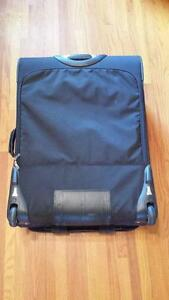 """Travel Pro Crew 6 28"""" Expandable Roller Board Suitor Suitcase Kingston Kingston Area image 4"""