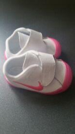 New girls nike trainers baby