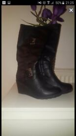 Ladies size 3 boots