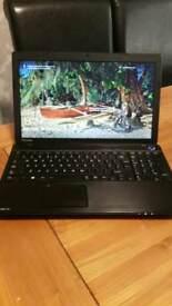 Toshiba laptop AMD E1, 4GB RAM, 500GB HDD, HDMI
