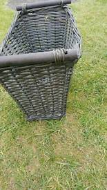 Wicker basket with 2 handles