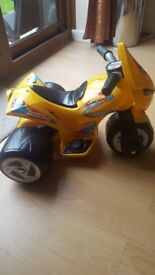 3 wheels electric motorbike fro kids.