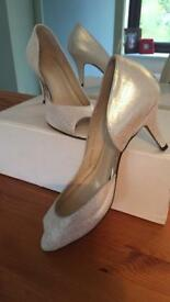 Beautiful shoes BNIB size 4