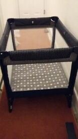 Graco Travel Cot, first class condition, portable with handle. suit baby up to 2-3 years.