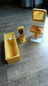 Vintage Sindy bathroom set and hairdryer
