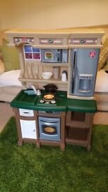 Step 2 Kids Play Kitchen with food and accessories