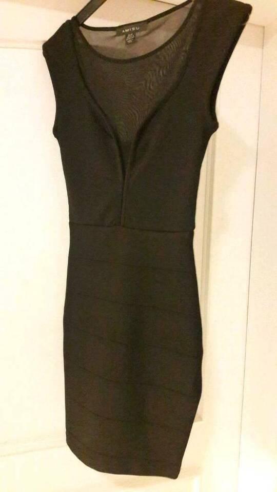 Kleid schwarz Gr.34 in Hollingstedt b Delve Holst