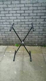 Music keyboard stand