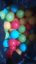 Bin liner of ball pit balls