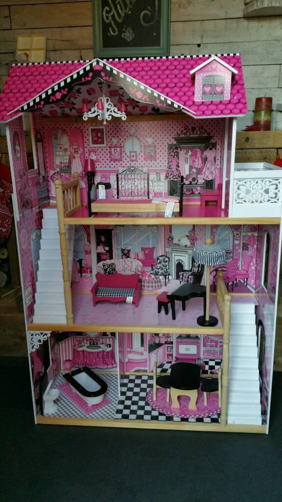 Isabells large dolls house