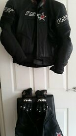 Mens Motorcycle Leather Jacket, Trouser and Gloves Set - RST Brand Size Small