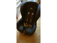 Britax Isofix Duo Plus in Wall Street Grey (use with or without Isofix)