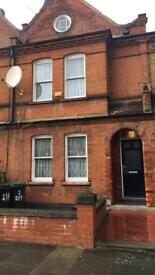 Double room to rent in large 3 bed house