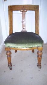 Victorian Spoon-back Chair in Walnut