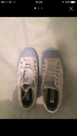 Ladies new converse size 5.5