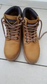 Wrangler size 4 boots