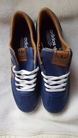 MENS TRAINERS NAVY BROWN SIZE 7.5