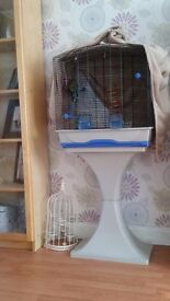Bird cage would fot 3-4 budgies in very good condition