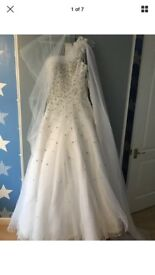 Ronald Joyce Wedding Dress New with tags Uk8 diamond white