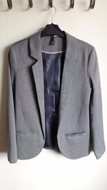 H&M Suit Jacket in Gray size 8.