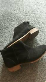 Size 4 boots black side