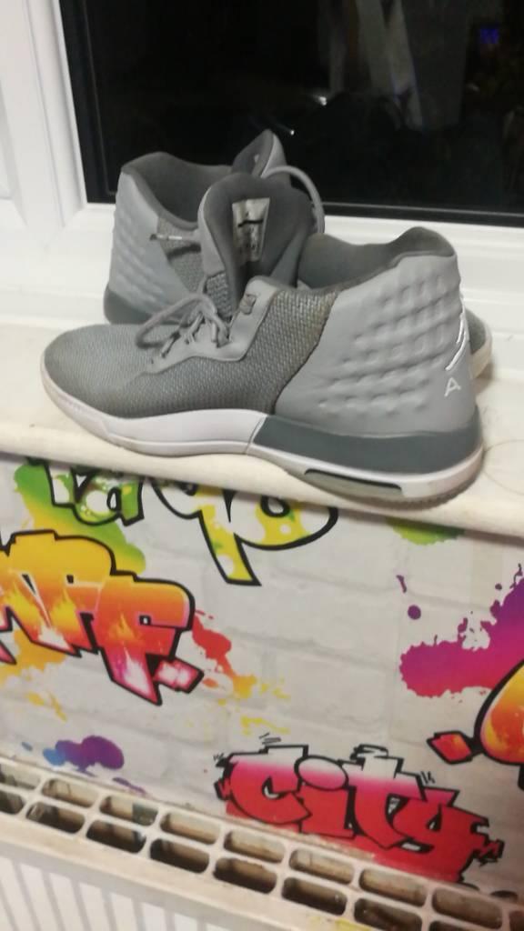 Jordans size 6