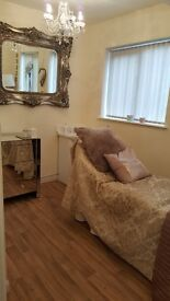 Self Employed Beauty Therapist/Rent Beauty Room