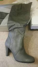 Grey ideal boots heels size 7 brand new in box 40