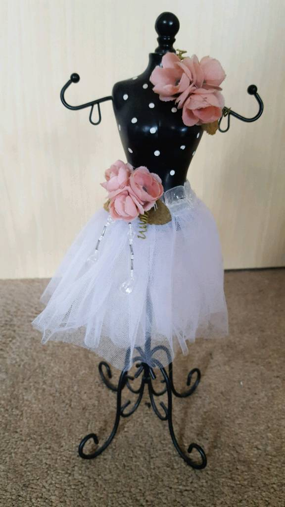 MANNEQUIN JEWELLERY HOLDER - NEVER USED