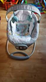 Ingenuity vibrating and music baby bouncer
