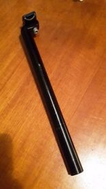Black aluminium seat post