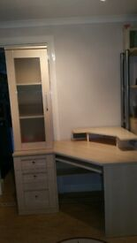 Desk/Drawers/Cabinet
