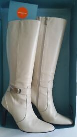 Karen Millen Cream (Winter White) Leather Boots
