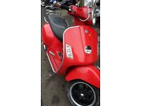 PIAGGIO VESPA --250 GTS-CLEAN 2006-28K-1 X YR MOT-SOLD WITH V5 logbook-250 GTS-lovely motorbike