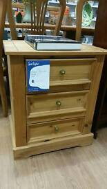 Pine bedside chest of drawers