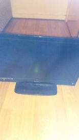 for sale 22 inch lcd tv dvd combi with remote