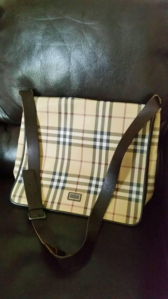 £15 burberry man bag