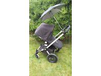 Bugaboo Frog travel system in black