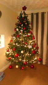 Beautiful 8ft Christmas tree no box