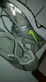Nike dart 9 fitness trainers unisex uk size 5.5 good condition