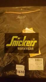 Snickers black crew neck xl tee shirt