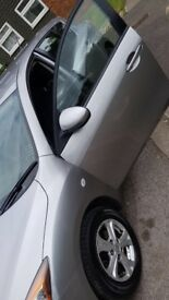 Fresh MOT, Power sterring, power window, adjustable steering and seats, front and rear airbags,