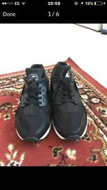 Black and White Leather Huaraches Size 8.5