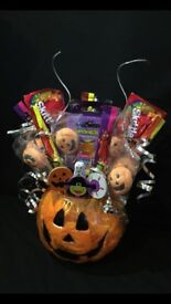 Halloween bouquet filled with sweets and a gift !