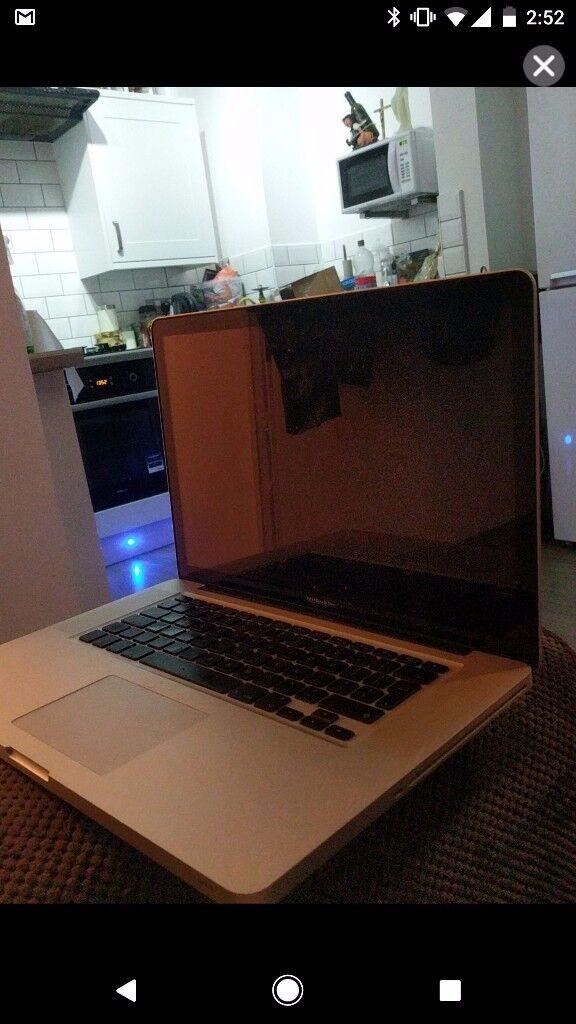 "Macbook Pro 15"" i7 8gb Ram 500gb HDD."