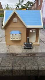Sylvanian families Applewood cottage and oven figure