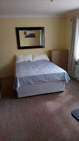 Rooms available to rent in a beautiful house near Elstree and Borehamwood station.