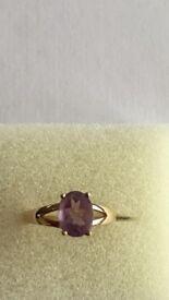 9K Amethyst yelllow Gold Ring. Size N