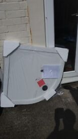 Shower tray 900mm and pedestal