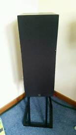 Monitor Audio R352 Speakers and stands